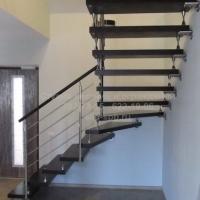 Больцевая лестница с веерными ступенями